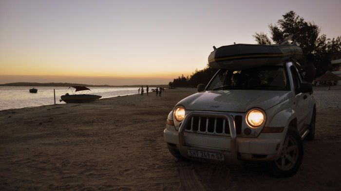 What Are the Engine Specifications of a Jeep Cherokee?