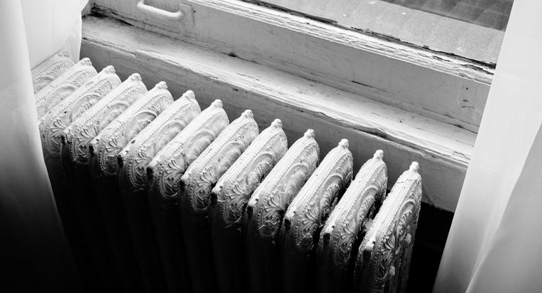 What Are Tips for Repairing a Radiator Leak?