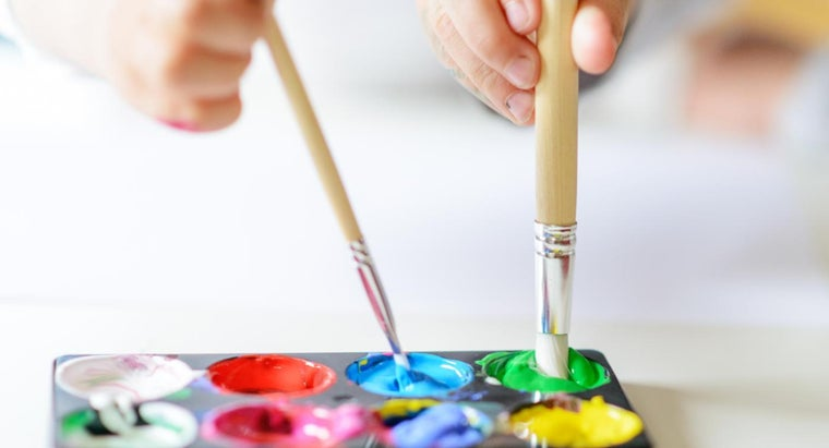 What Are Some Art Games That Teach Painting?