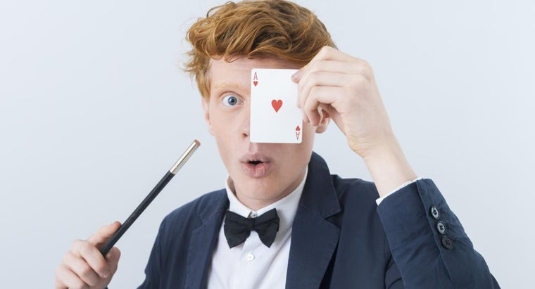 What Are the Basic Tricks That Every Magician Should Know?