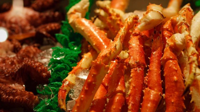 How Do You Cook Crab Legs?