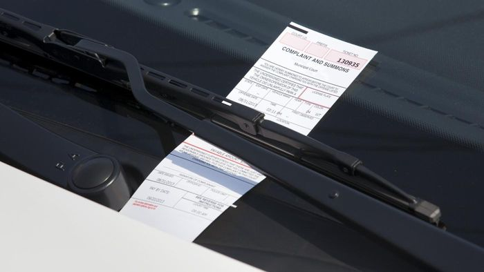 Do You Save Money by Paying a Parking Ticket Online?