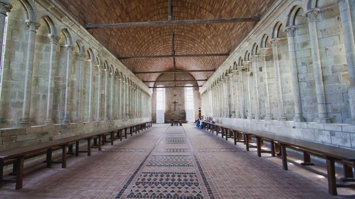 What do Catholic churches typically look like?