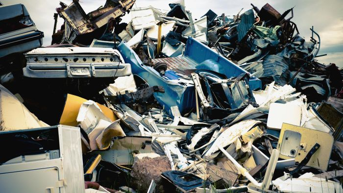 Where is a used auto salvage yard located in Phoenix, AZ?