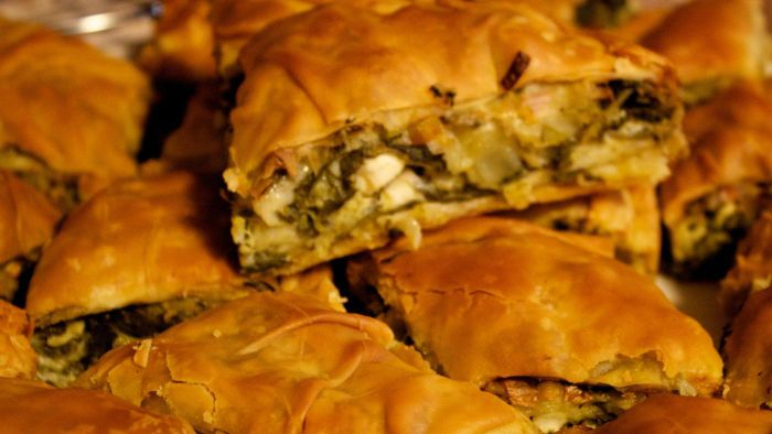 What Is an Easy Spinach Pie Recipe?