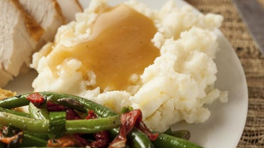 What Is an Easy Recipe for Turkey Gravy?