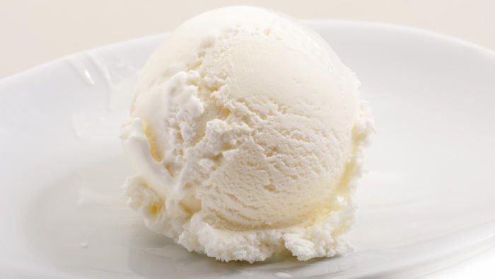 What are some popular Blue Bell ice cream flavors?