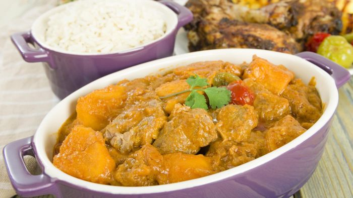 What Are Some Good Jamaican-Style Curry Chicken Recipes?