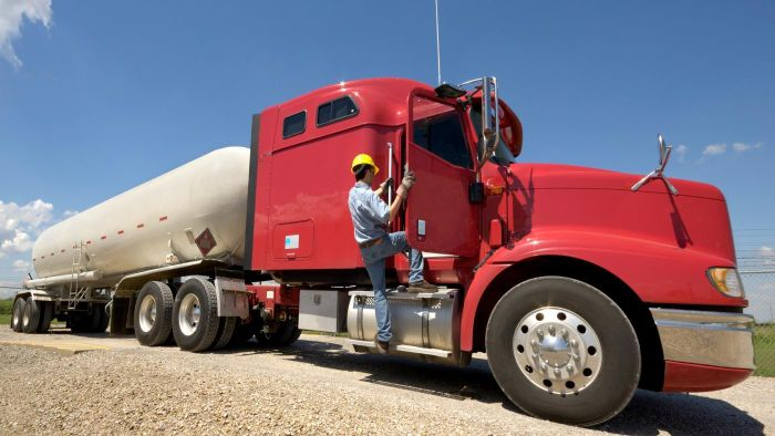 How do trucking fuel surcharges work?
