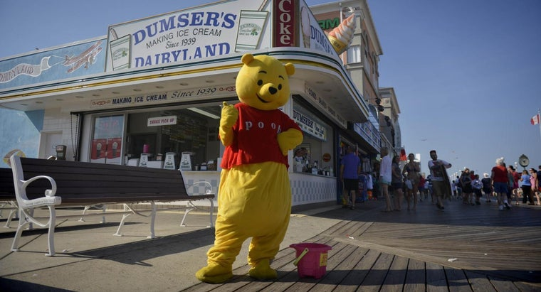 Where Are Some Popular Spots for Vacationers in Ocean City, Maryland?