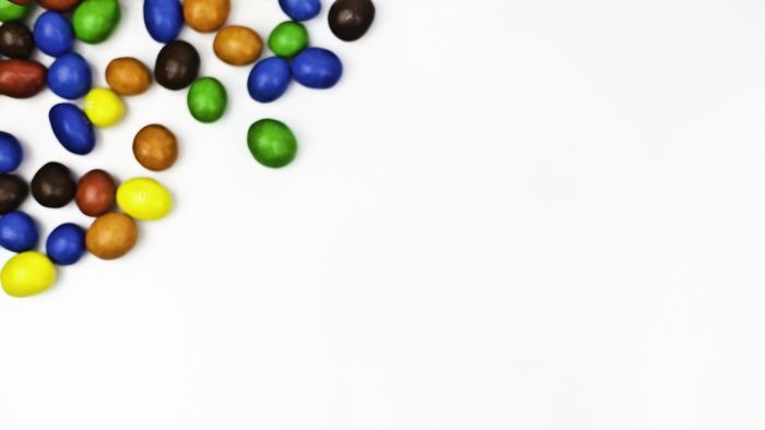What Colors Does the M&M Collectible Dispenser Come In?