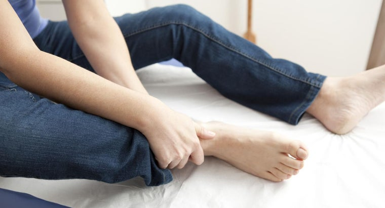 What Are Some Home Remedies to Treat Gout in the Foot?
