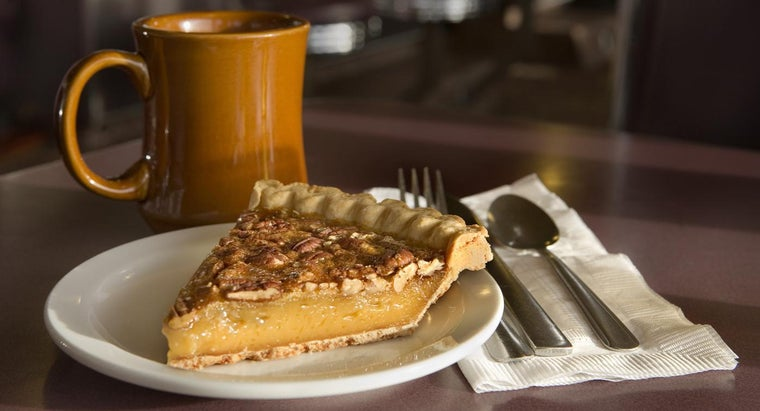 What Is an Easy Pecan Pie Recipe?