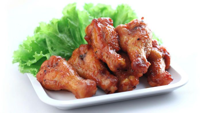 What are some simple recipes for making chicken wings?
