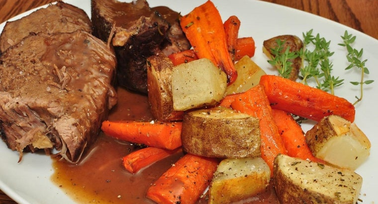 What Is a Good Recipe for an Oven Pot Roast With Vegetables?