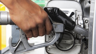 How Do You Clean Your Car's Fuel Tank?