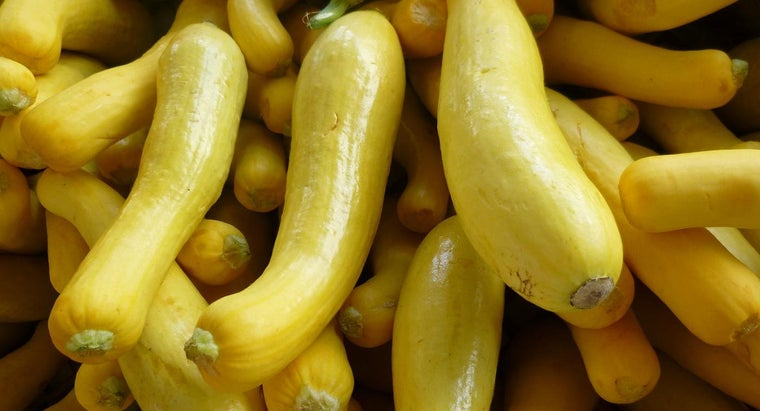 What Is an Easy Yellow Squash Recipe?