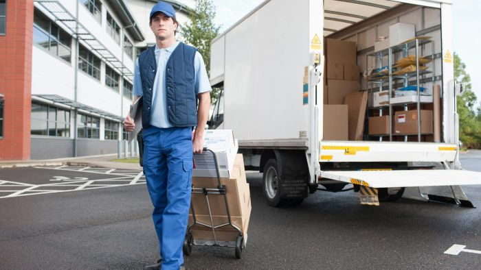 How Much Does a Delivery Driver Make?