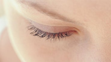 What Is the Fastest Way to Bring Down Puffy Upper Eyelids?