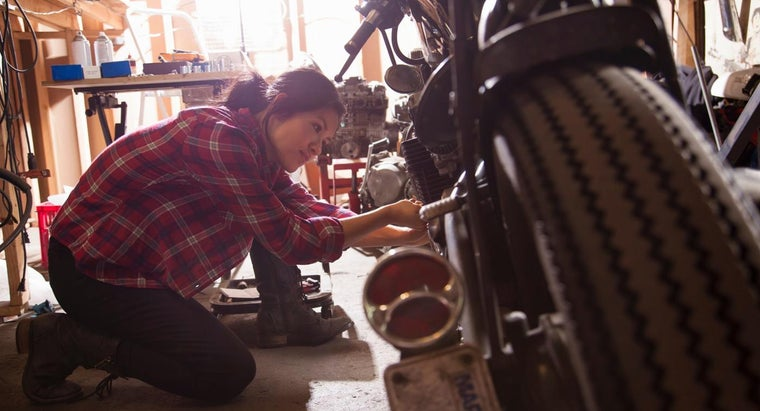 What Should You Look for When Replacing a Fuel Tank for a Motorcycle?