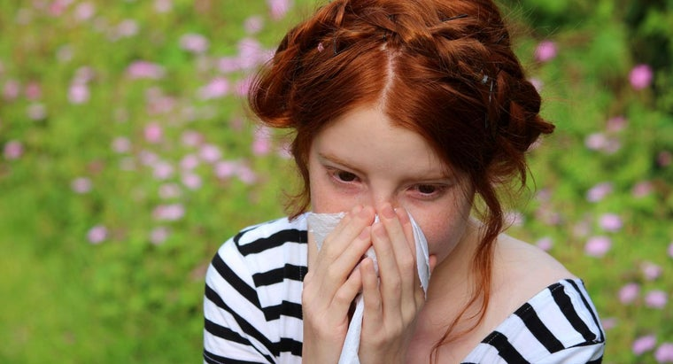 What Are Common Signs of an Allergic Reaction?