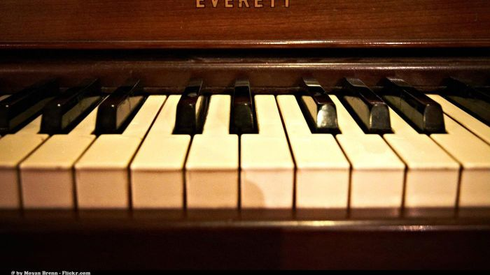 What Businesses Buy and Sell Used Pianos?