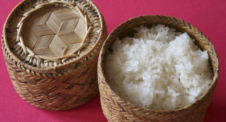 What Is an Easy Recipe for Making Sticky Rice?