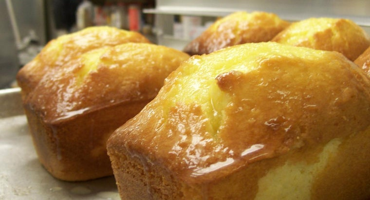 What Is an Easy-to-Bake Lemon Pound Cake Recipe?