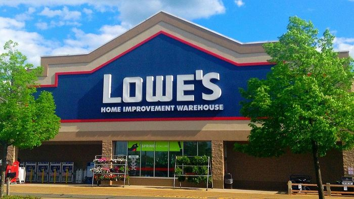 How Do You Get a Lowe's Credit Card Application?