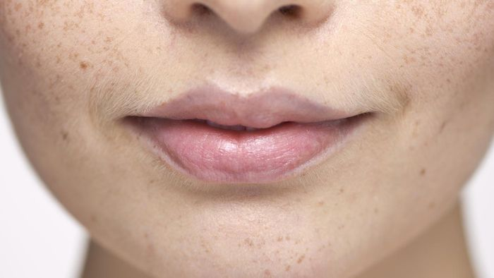 What Causes Sores on the Lips?