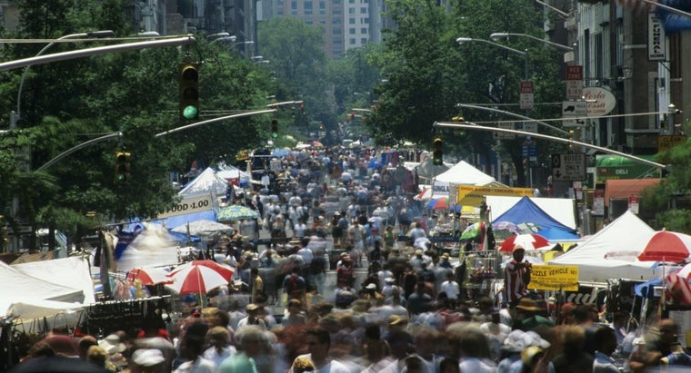 What Are Some Popular Street Fairs in New York?