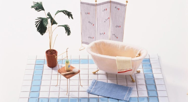 What Are Some Decorating Tips for Really Small Bathrooms?