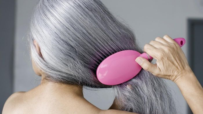 What Remedy Reverses Hair Loss in Women?