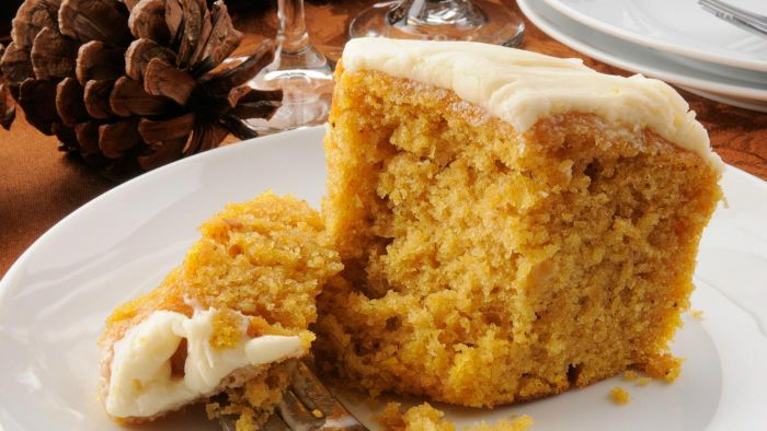 What Is an Easy Pumpkin Cake Recipe?