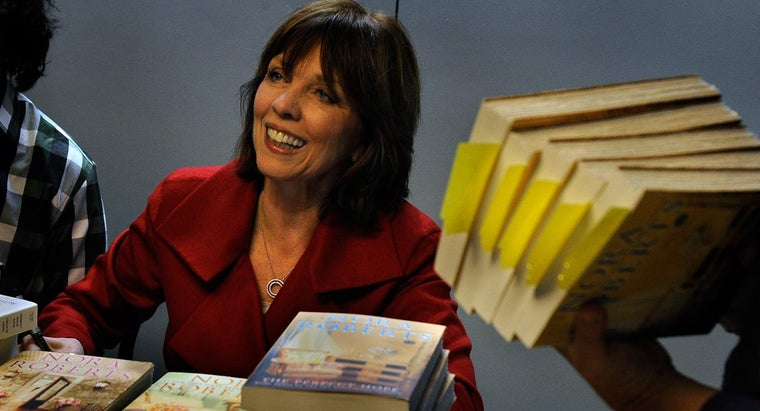 Can a List of All Nora Roberts Books Be Printed From a Webite?