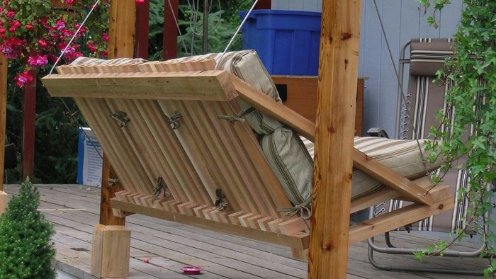 How Can You Learn to Make a Porch Swing?