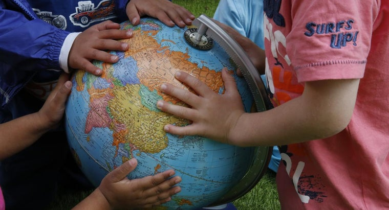 What Are Tips for Learning Geography Facts?