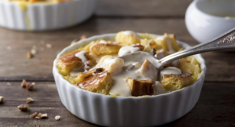 What Ingredients Are Generally Included in a Simple Bread Pudding Recipe?