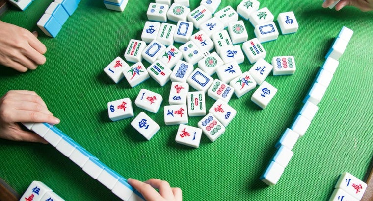 What Are Some Basic Rules for Mahjong?