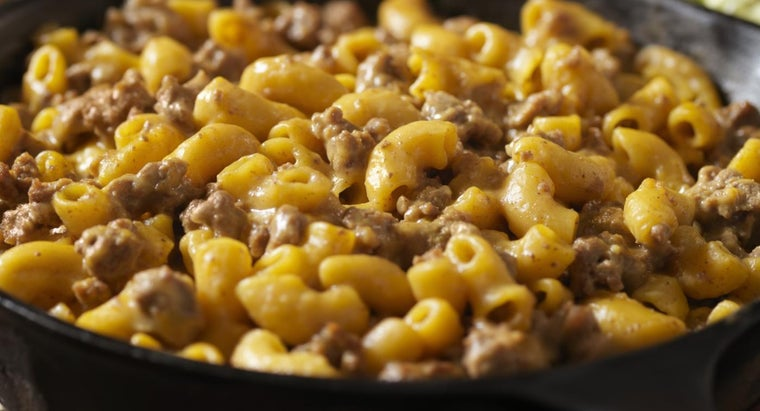 What Are Some Recipes With Ground Beef and Macaroni?