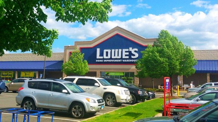 Does Lowe's Offer Weekly Specials?