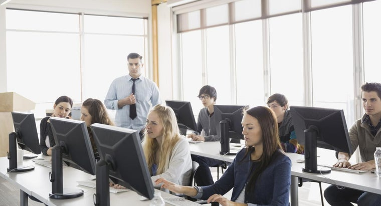Are Beginner Computer Classes Recommended for First Time Computer Buyers?