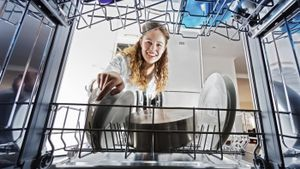 How Is a Dishwasher Unclogged?