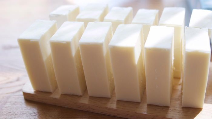 What is an easy recipe for homemade soap?