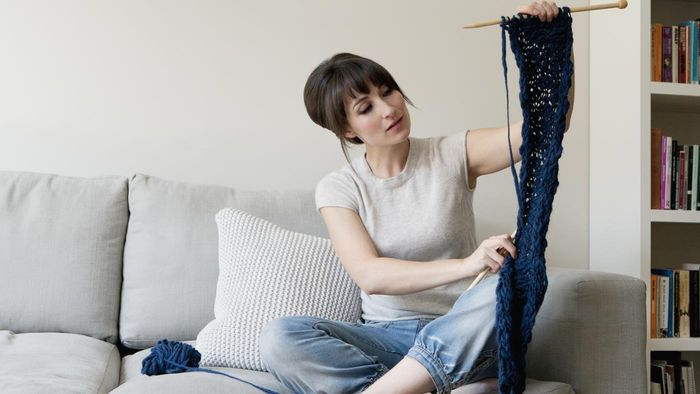 Are free cowl patterns available online?