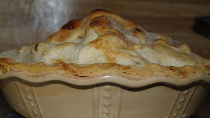 What Is an Easy Homemade Apple Pie Recipe?