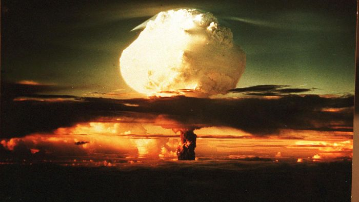 Who Were the Scientists That Worked on the Manhattan Project?
