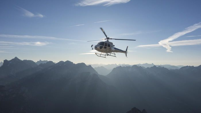 How Can You Find a Helicopter Flight Class?
