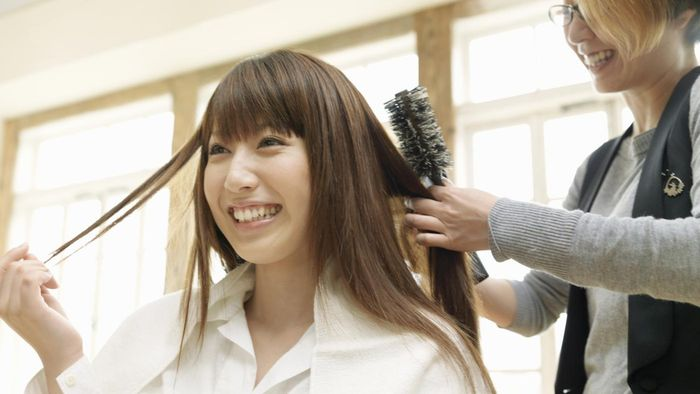 How Do You Renew a Cosmetology License Online?