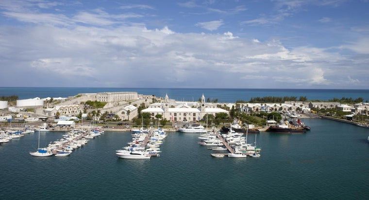 What Are Some Attractions at Kings Wharf in Bermuda ?